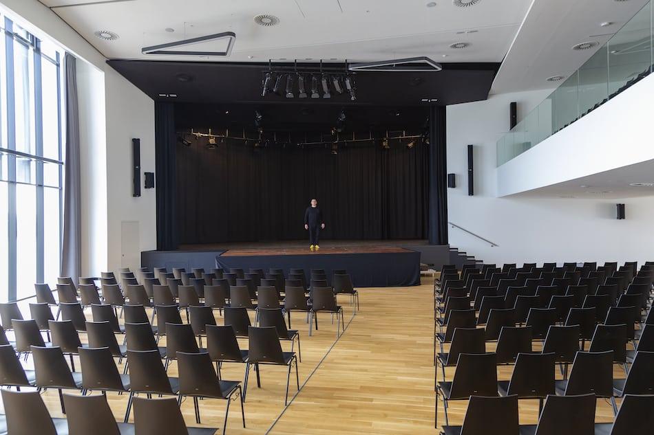 Y_Stadthalle_cHammerschmied_Bühne-3
