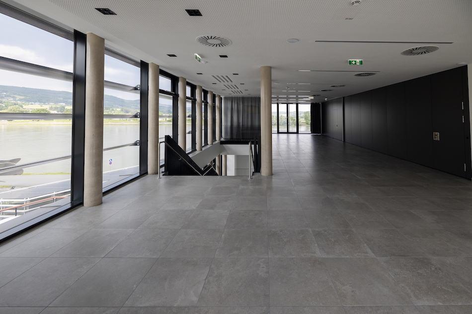 Y_Stadthalle_cHammerschmied_Galeriefoyer-4