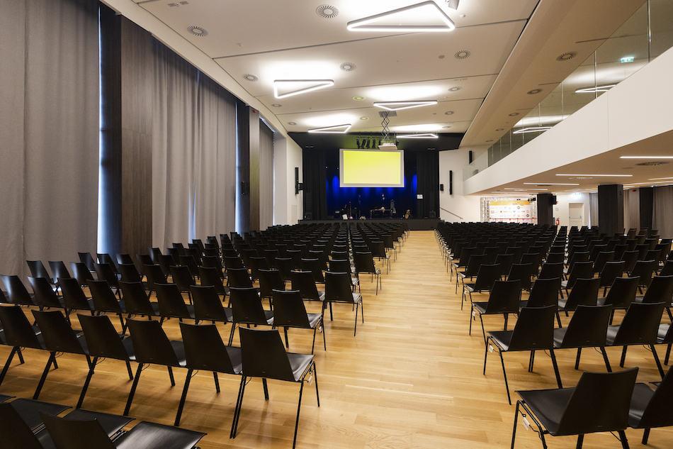 Y_Stadthalle_cHammerschmied_Halle-3